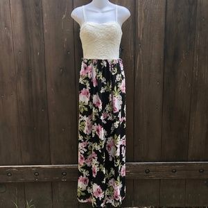 Lily Rose Floral Maxi Dress Size Small